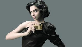 Deepika Padukone Posh Style Wallpaper for Android, iPhone and iPad