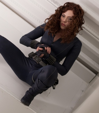 Scarlett Johansson As Black Widow - Fondos de pantalla gratis para LG KM570 Cookie Gig