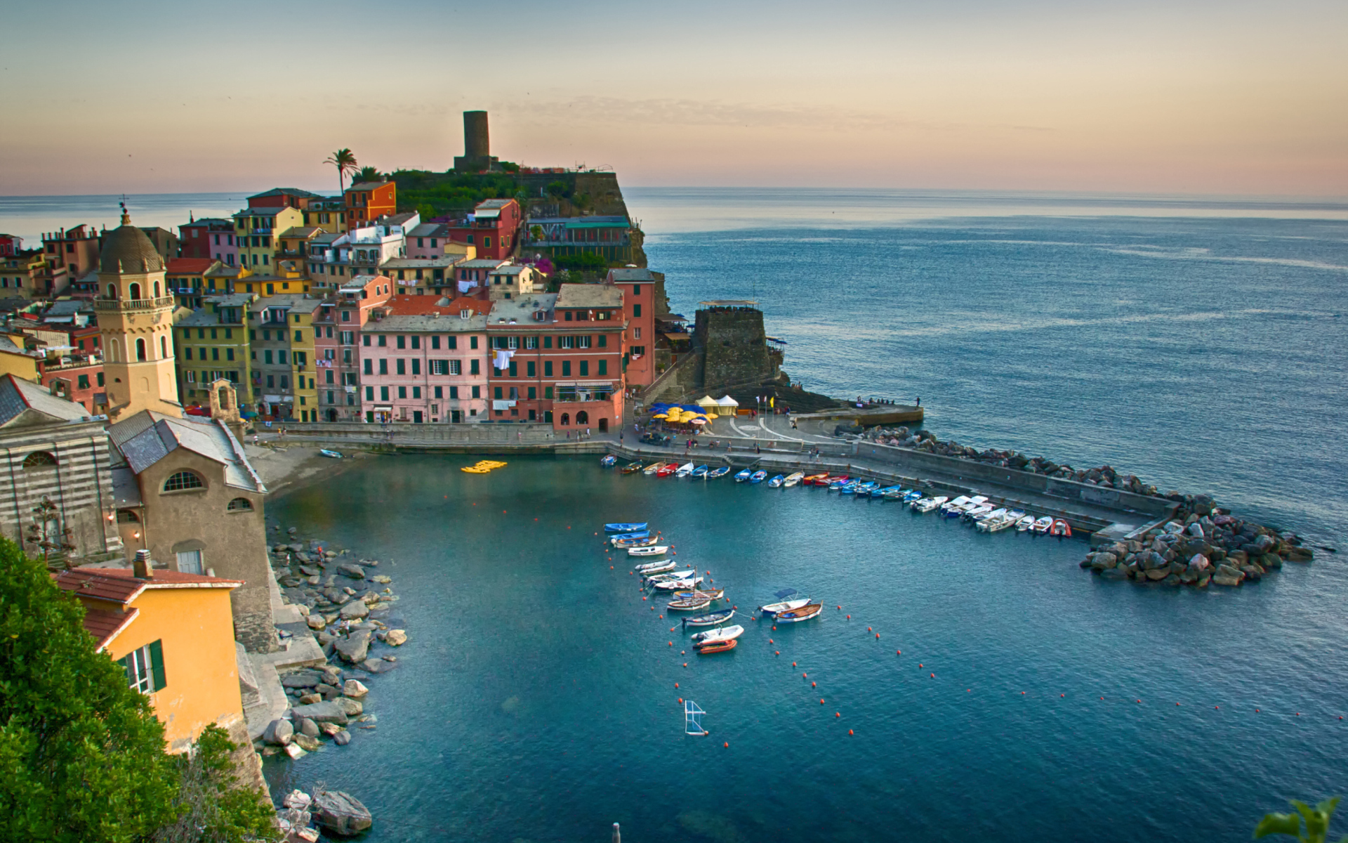 Vernazza, Cinque Terre, Italy, Ligurian Sea para Widescreen Desktop PC 1920x1080 Full HD