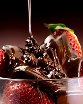 Chocolate Covered Strawberries - Obrázkek zdarma pro 750x1334