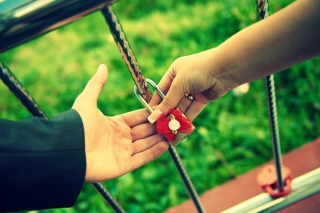 Love Lock Background for Android, iPhone and iPad