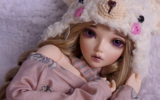 Beautiful Doll With Deep Purple Eyes - Obrázkek zdarma pro 640x480