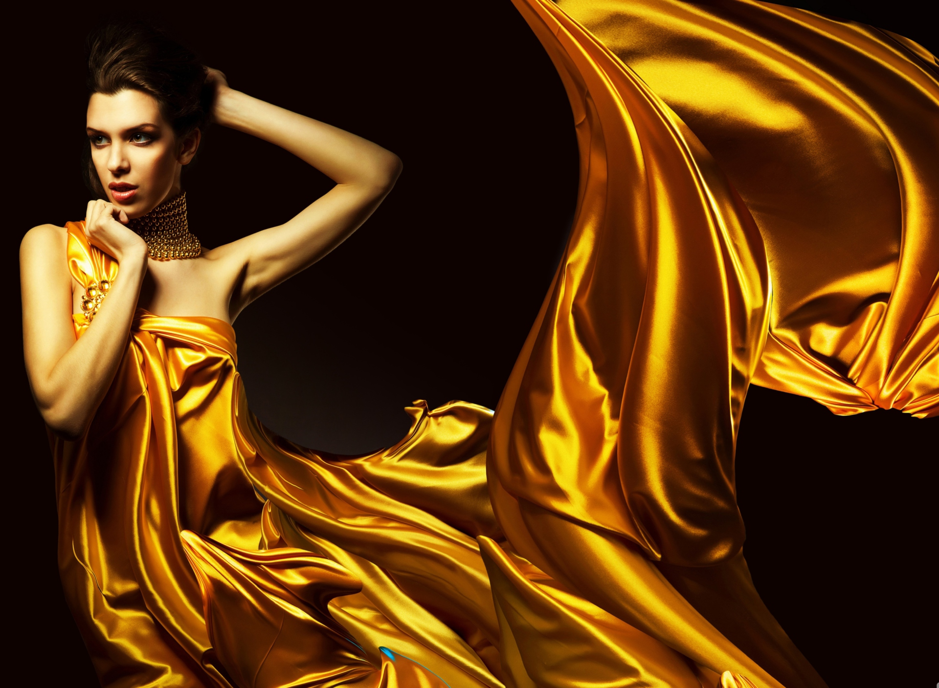 красотка, корзина, желтое платье скачать