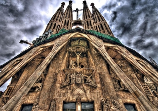 Sagrada Familia - Barcelona sfondi gratuiti per cellulari Android, iPhone, iPad e desktop