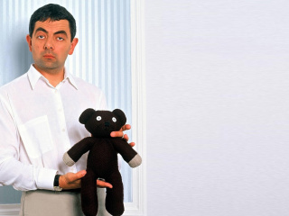 Screenshot №1 pro téma Mr Bean with Knitted Brown Teddy Bear 320x240
