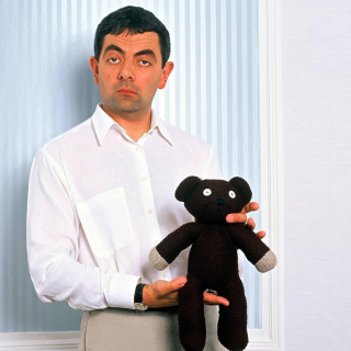 Mr Bean with Knitted Brown Teddy Bear - Obrázkek zdarma pro 320x320