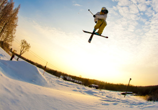 Free Skiing Picture for Android, iPhone and iPad