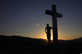 Free Cross In Sunrise Picture for Android, iPhone and iPad