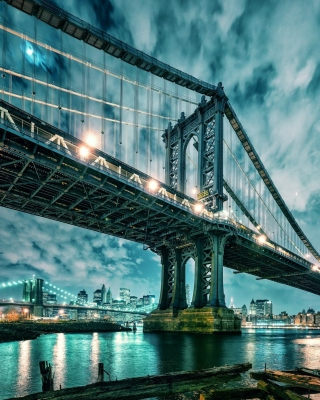 Free Manhattan Bridge HD Picture for Nokia Asha 305
