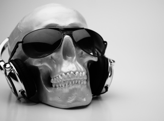 Free Fancy Skull Picture for Android, iPhone and iPad
