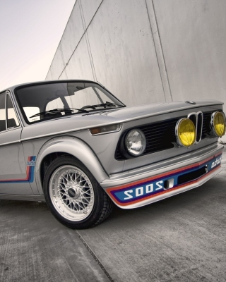 BMW 2002 02 Series Background for Nokia C1-01