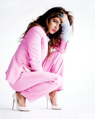 Priyanka Chopra on High Heels Wallpaper for HTC Titan