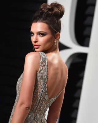 Emily Ratajkowski Background for HTC Titan