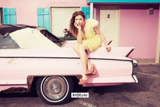 Free Chloe Moretz Pink Car Picture for Android, iPhone and iPad