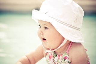 Free Cute Baby In Hat Picture for Android, iPhone and iPad