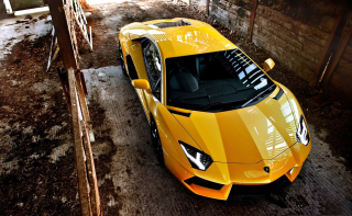 Yellow Lamborghini Aventador sfondi gratuiti per cellulari Android, iPhone, iPad e desktop