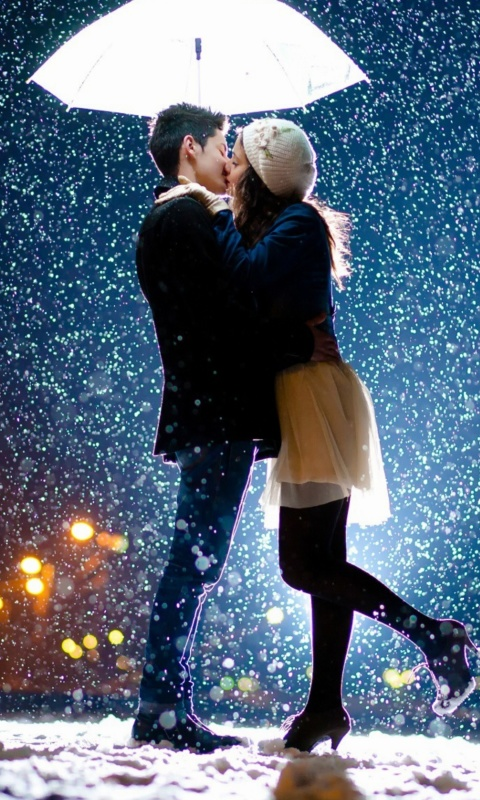 Screenshot №1 pro téma Kissing under snow 480x800