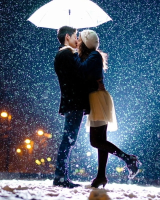 Kissing under snow Background for iPhone 6 Plus