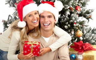 Happy Couple In Christmas And New Year's Eve papel de parede para celular