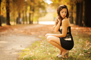 Sweet Model in Black Dress sfondi gratuiti per Android 1440x1280