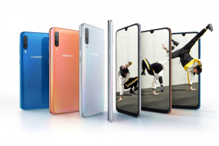 Free Samsung Galaxy A50 Picture for Nokia X5-01