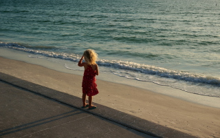 Child Looking At Sea Picture for Android, iPhone and iPad
