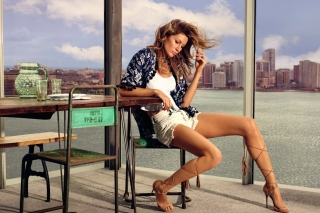 Free Gisele Bundchen Model Picture for Android, iPhone and iPad