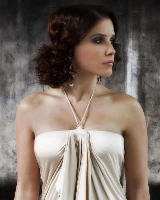 Sophia Bush from drama series One Tree Hill sfondi gratuiti per 768x1280