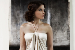 Sophia Bush from drama series One Tree Hill Picture for Android 800x1280