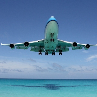 Boeing 747 in St Maarten Extreme Airport Wallpaper for LG KP105
