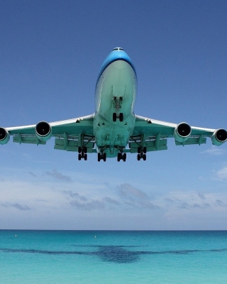 Boeing 747 in St Maarten Extreme Airport sfondi gratuiti per iPhone 6 Plus