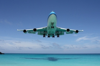 Boeing 747 in St Maarten Extreme Airport Background for Desktop Netbook 1366x768 HD