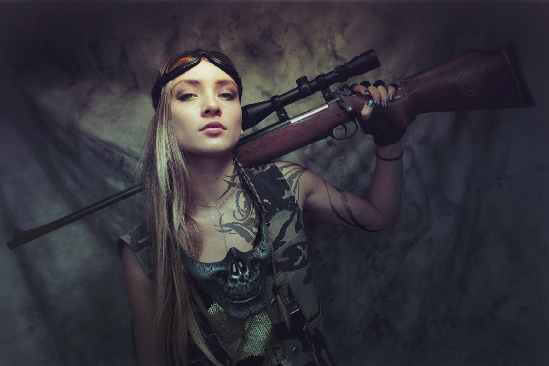 Телки в военной форме, Порно фото из категории Военные - 26 эротических фото 13 фотография