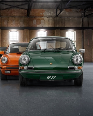 Porsche 911 Vintage Cars in Museum Picture for Nokia 5800 XpressMusic