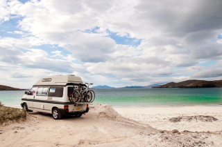 Caravan Holiday Background for Android, iPhone and iPad