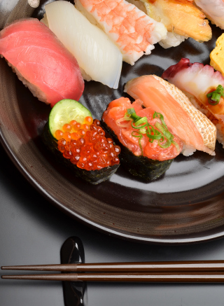 Sushi Plate Picture for 240x320