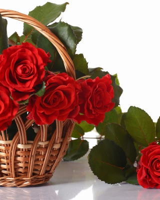 Basket with Roses sfondi gratuiti per iPhone 4S