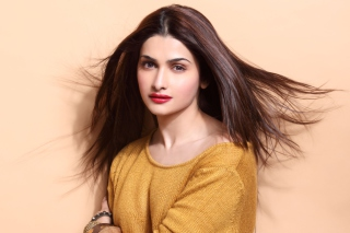Prachi Desai Background for Android, iPhone and iPad