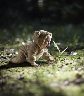 Free Cute Baby Crawling Picture for Nokia X3