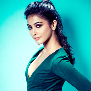 Pooja Hegde Indian model sfondi gratuiti per 1024x1024