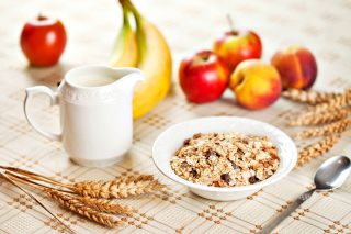 Breakfast with bananas and oatmeal sfondi gratuiti per 1200x1024