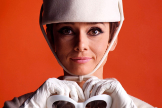 How to Steal a Million with Audrey Hepburn - Obrázkek zdarma pro Android 960x800