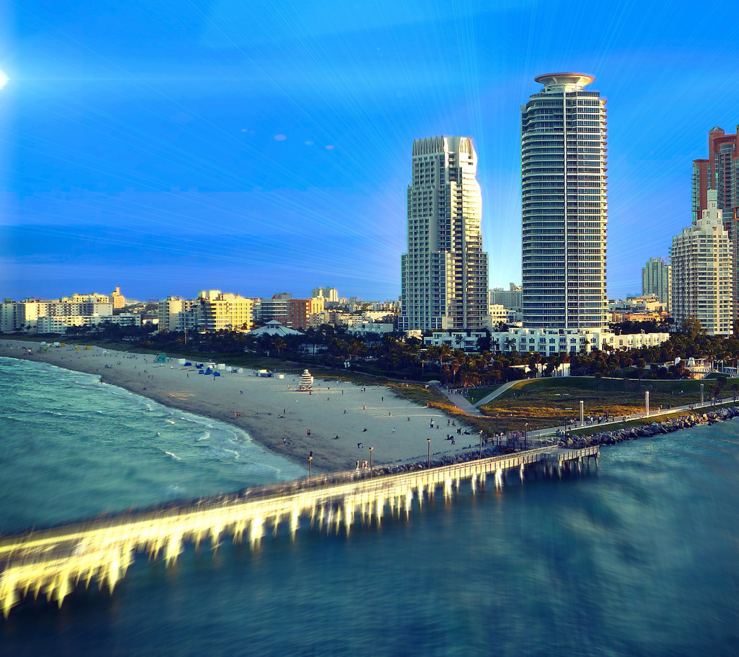 Sfondi Miami Beach with Hotels 1440x1280