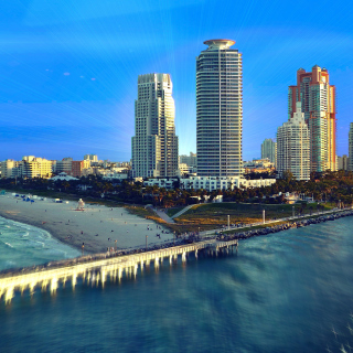 Miami Beach with Hotels sfondi gratuiti per 1024x1024