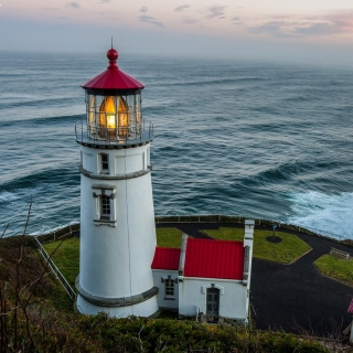 Lighthouse at North Sea sfondi gratuiti per iPad mini