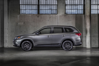 2018 Mitsubishi Outlander Wallpaper for Android, iPhone and iPad
