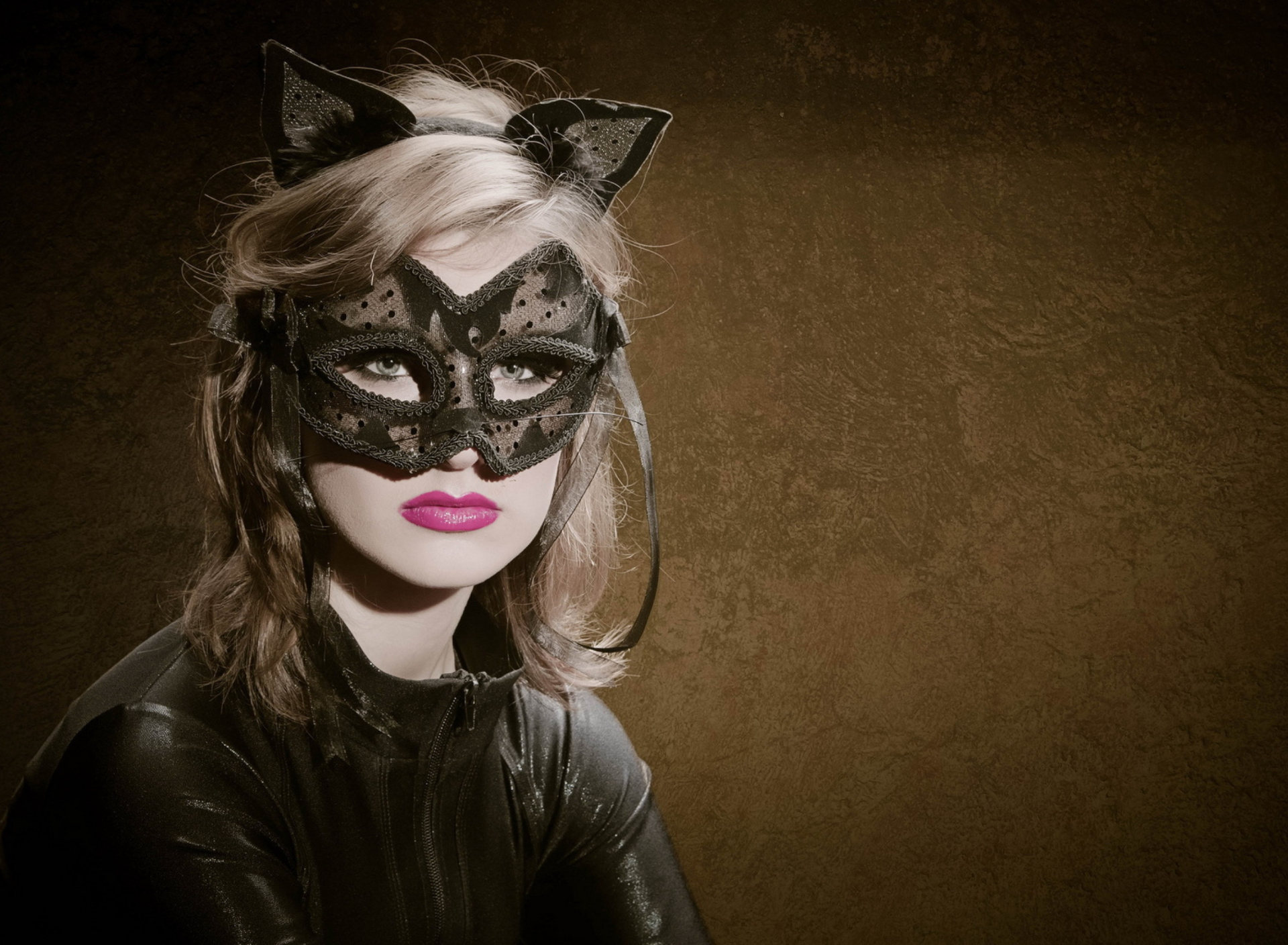 Screenshot №1 pro téma Cat Woman Mask 1920x1408