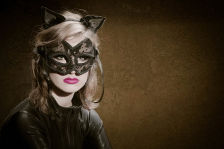 Cat Woman Mask sfondi gratuiti per HTC Wildfire