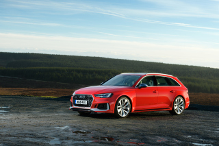 Audi RS4 Avant 2018 Background for Android, iPhone and iPad