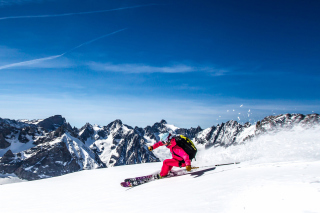 Skiing in Aiguille du Midi Background for 1400x1050